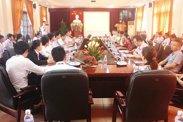 Sở Giáo dục và Thể thao tỉnh Hủa Phăn (Lào) sang thăm và làm việc với Trường Đại học Hà Tĩnh