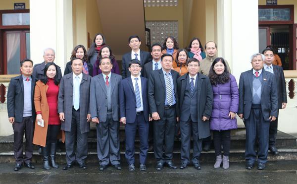 Đoàn công tác tỉnh Bôlykhămxay đến thăm và chúc Tết cổ truyền cán bộ giảng viên và sinh viên Trường Đại học Hà Tĩnh.